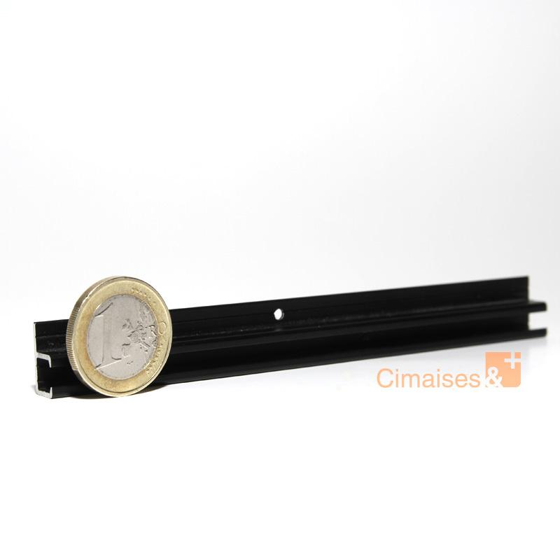 rail cimaise top rail pour accrochage vitrine magasin agence artiteq. Black Bedroom Furniture Sets. Home Design Ideas