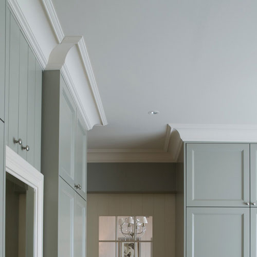corniche moulure de plafond luxxus orac decor pour deco. Black Bedroom Furniture Sets. Home Design Ideas