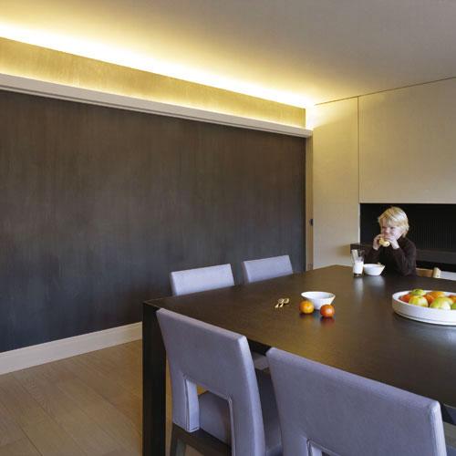 corniche moulure de plafond axxent orac decor pour eclairage indirect c358. Black Bedroom Furniture Sets. Home Design Ideas