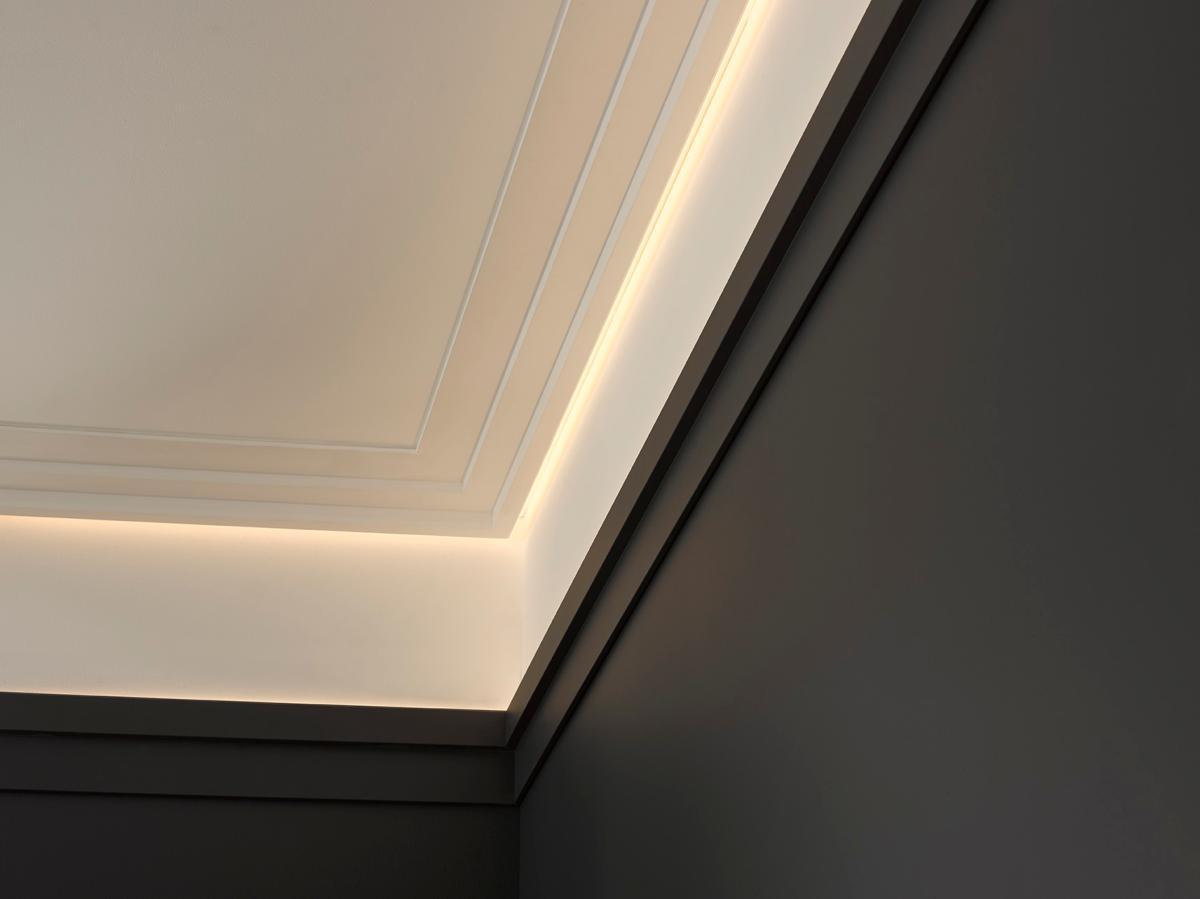 C395 Steps Corniche éclairage Indirect Led Orac Decor Luxxus 9 5x3 1x200cm H X P X L